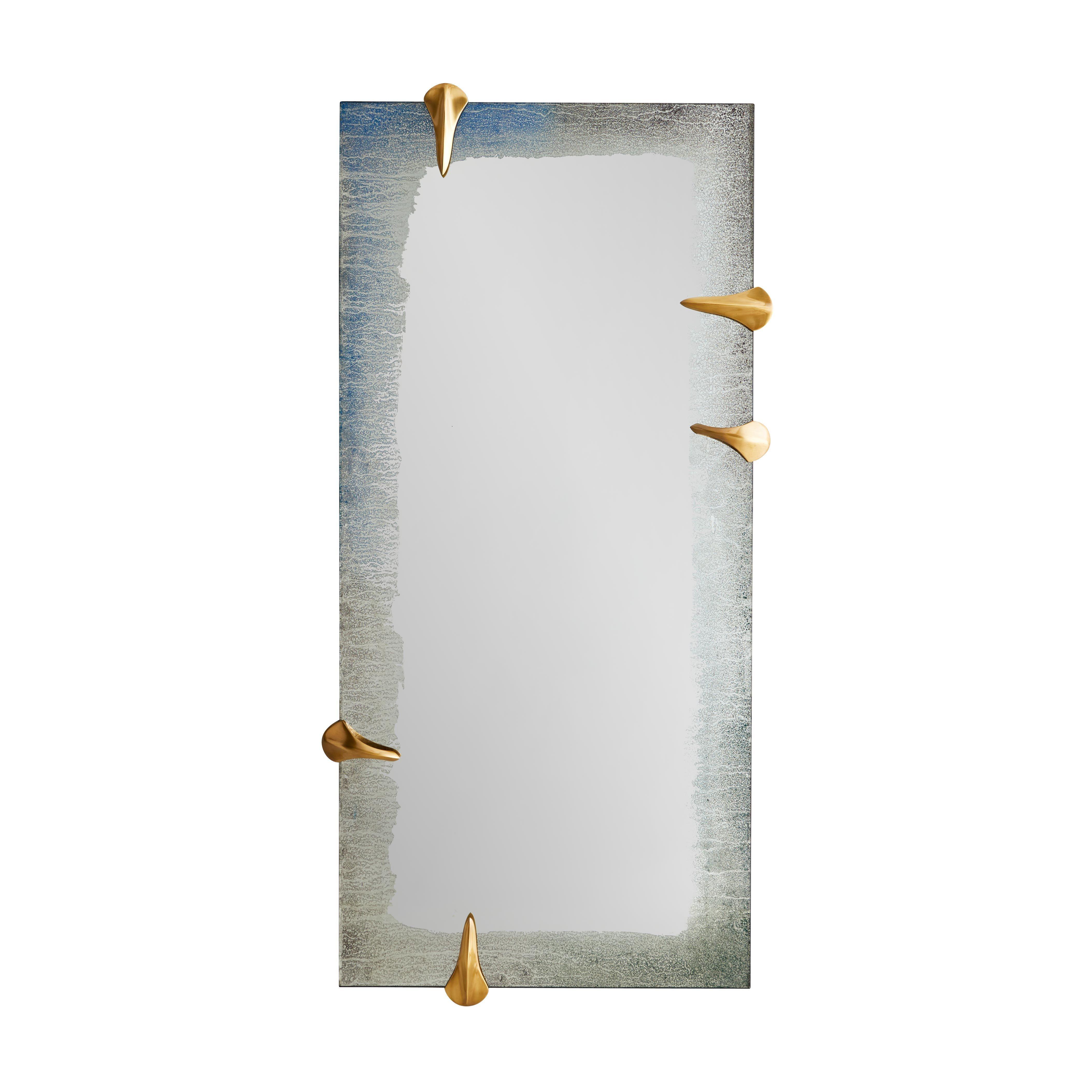 Edged Talon Mirror